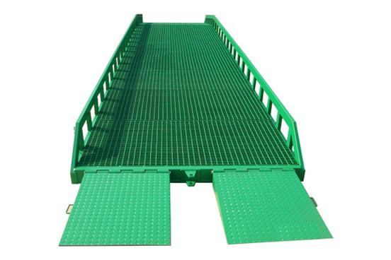 8吨移动登车桥