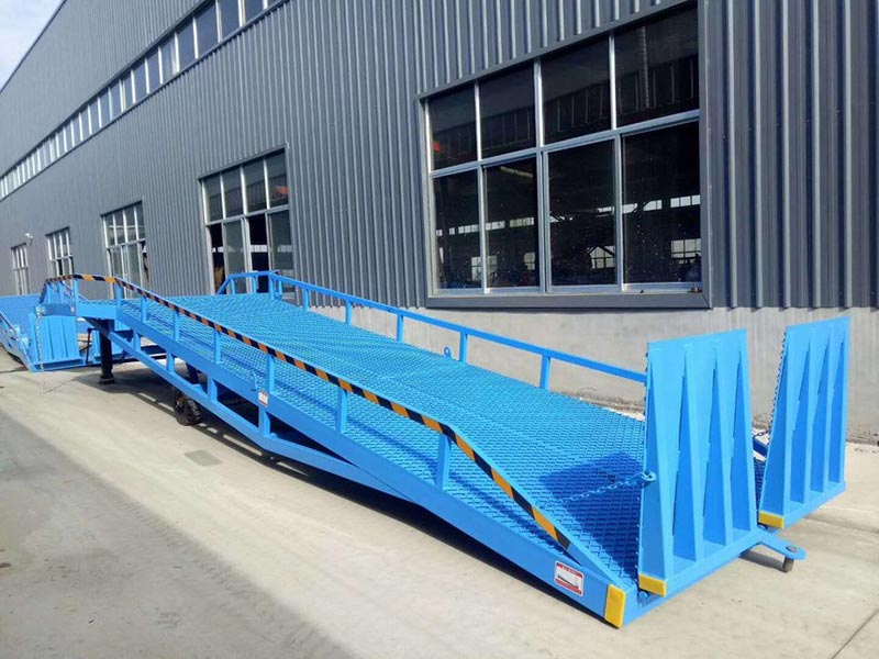 10吨移动登车桥