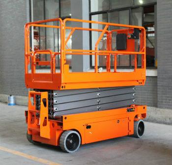 工厂自行式升降机